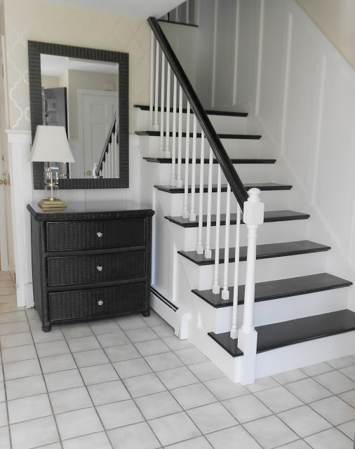 Foyer Minimalist Baker : Simple details kitchens and friends