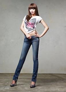 Top 10 Cantik dan Seksi Artis Korea dengan Jeans 2