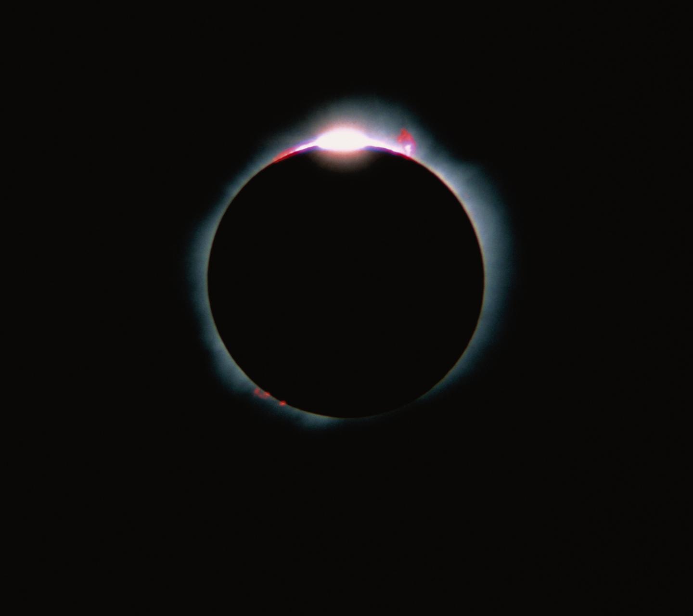 http://4.bp.blogspot.com/-4bNUg11X5iI/UHZLHWK-dBI/AAAAAAAALvo/C1UzEQMPzBw/s1600/eclipse_hd.png