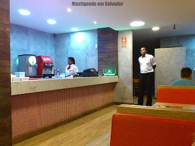 Au-Au Lanches: ambiente da loja do Rio Vermelho