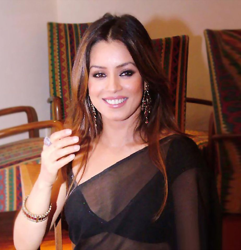 Nude busty mahima chaudhry, sexyhot naked bitches get fuck