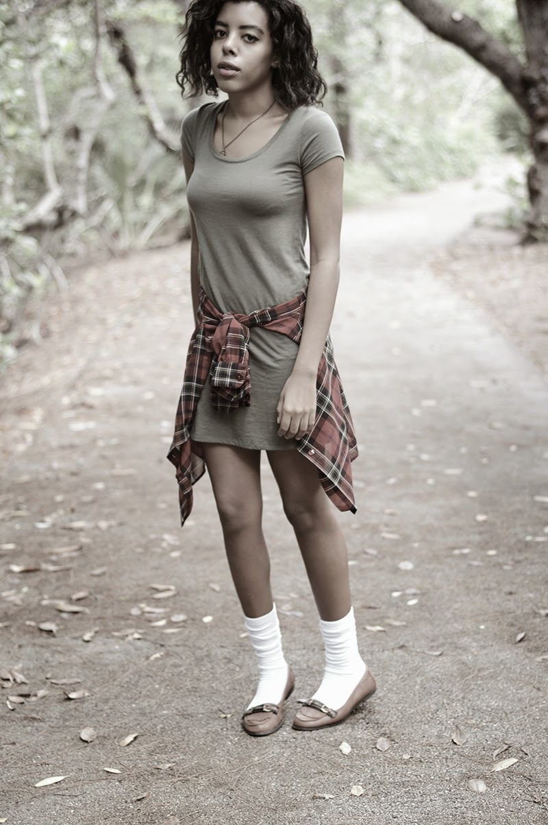 Miami Fashion Blogger Anais Alexandre of Down to Stars in a Mossimo dress with a vintage flannel top and GoJane loafers