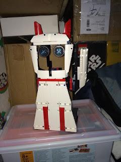 robot remix 1 exhibit c lucky cat the nxt step is ev3. Black Bedroom Furniture Sets. Home Design Ideas
