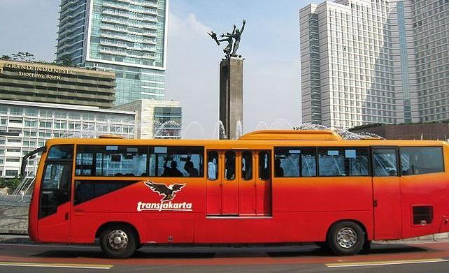 Horeee.. Busway Beroperasi Hingga Pukul 24.00 WIB