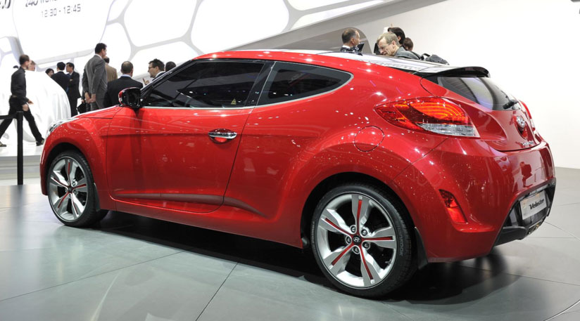Hyundai Veloster Side View