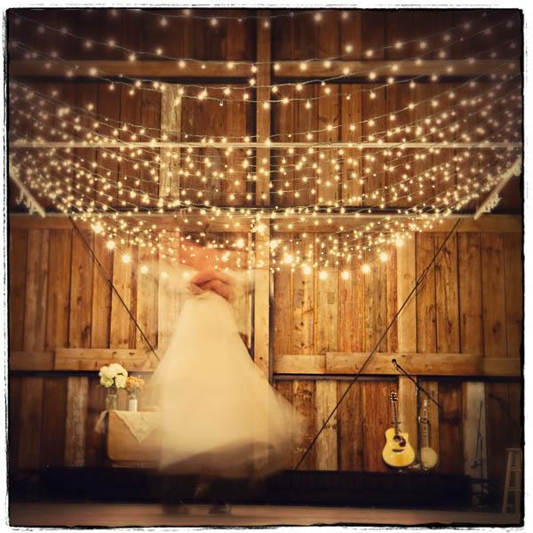 Plan-a-Wedding-on-a-Budget: Romantic Wedding Lighting