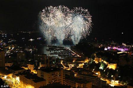 фойерверки в чест на сватбата на княза и княгинята на Монако