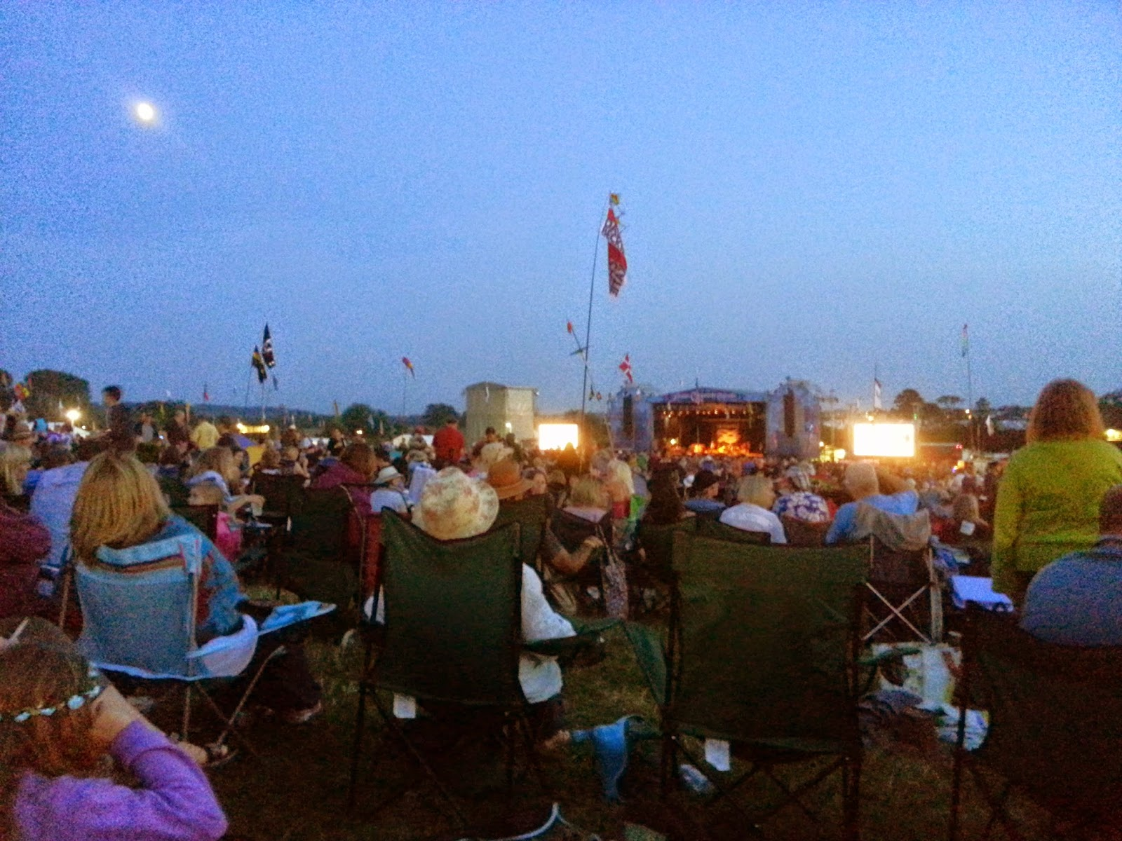 The Moon and the Stage: waiting for the Waterboys at Cropredy