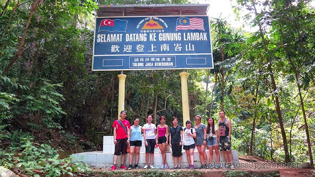 Gunung Lambak sign peek summit