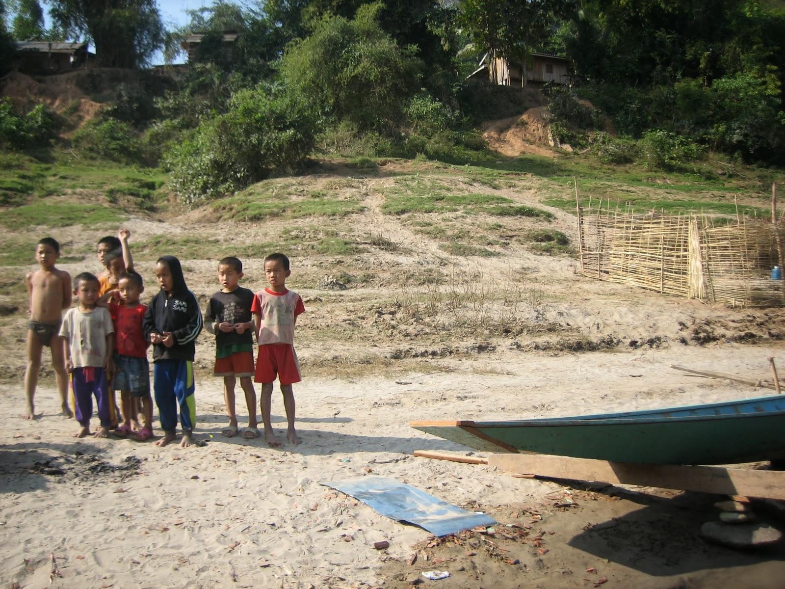 loas-natives-locals-mekong-river-village