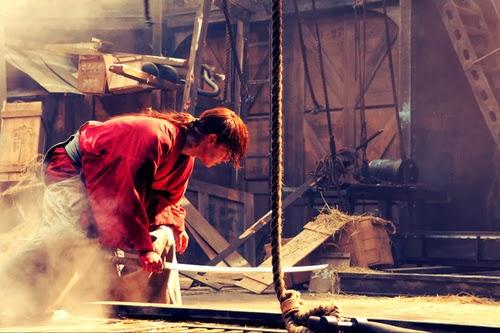 Misao, Okina y Aoshi en estas imágenes de las nuevas películas de imagen real de Rurouni Kenshin