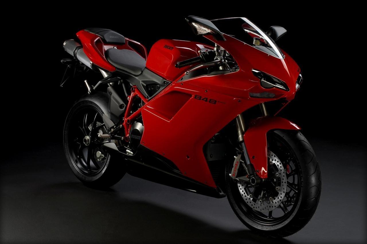 http://4.bp.blogspot.com/-4dB6X_aZTTM/TeKSPjwRubI/AAAAAAAAAY0/ABqFt6jb8yY/s1600/2011-Ducati-848-EVO-Red-Series.jpg
