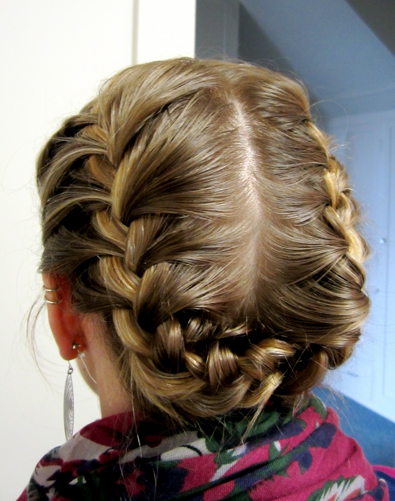 Hairstyle Halo : Bye Bye Beehive ? A Hairstyle Blog: Halo Braid.