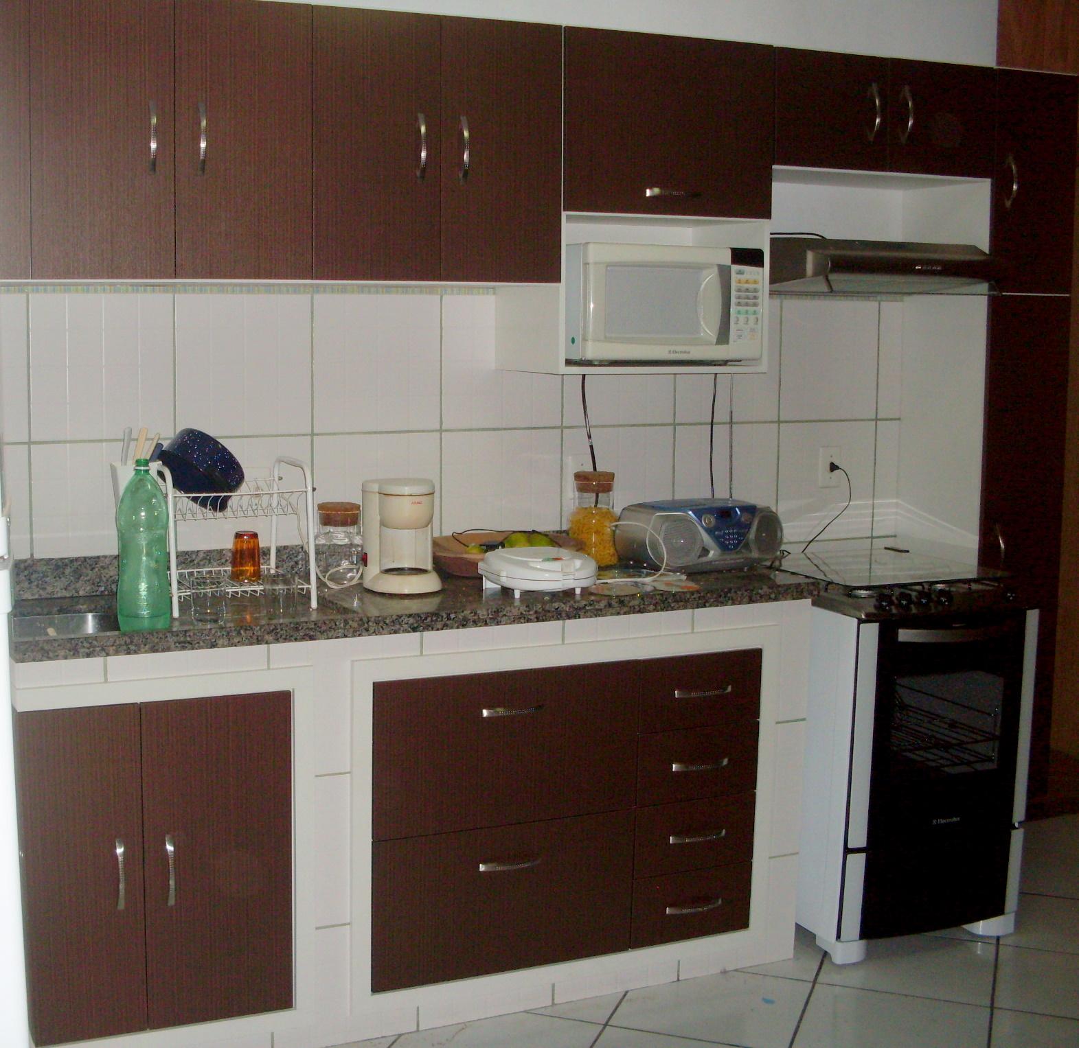 Armário de Cozinha Marrom Moysés Móveis . Móveis em geral sob  #301E17 1571x1527