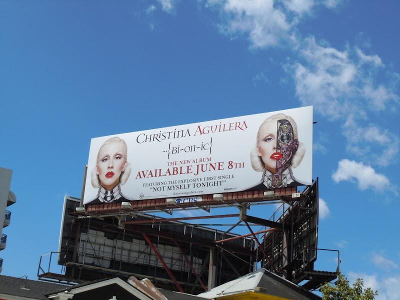 Christina Aguilera Bionic album billboard