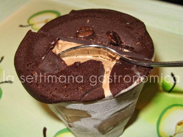 Gelato coperto di cioccolato