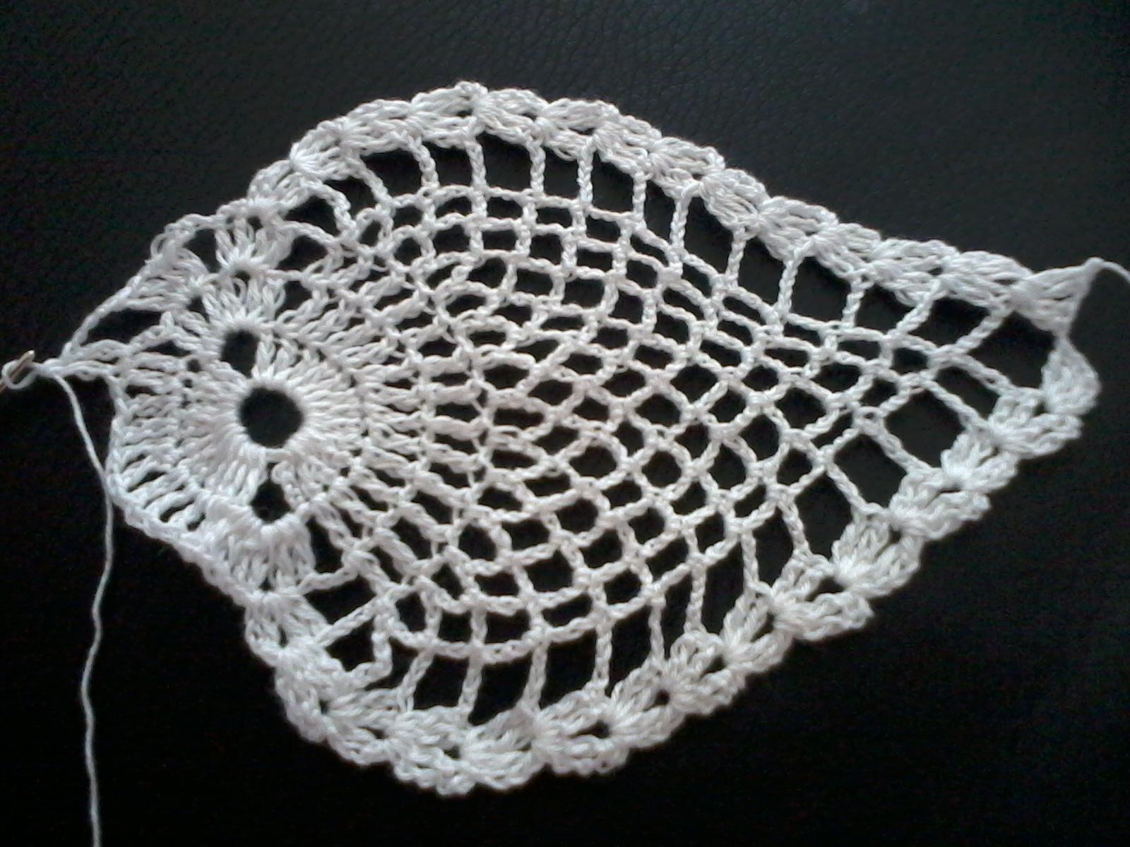 Patrones de tapetes centros de mesas tejidos a crochet - Centro de mesa a crochet ovalado ...