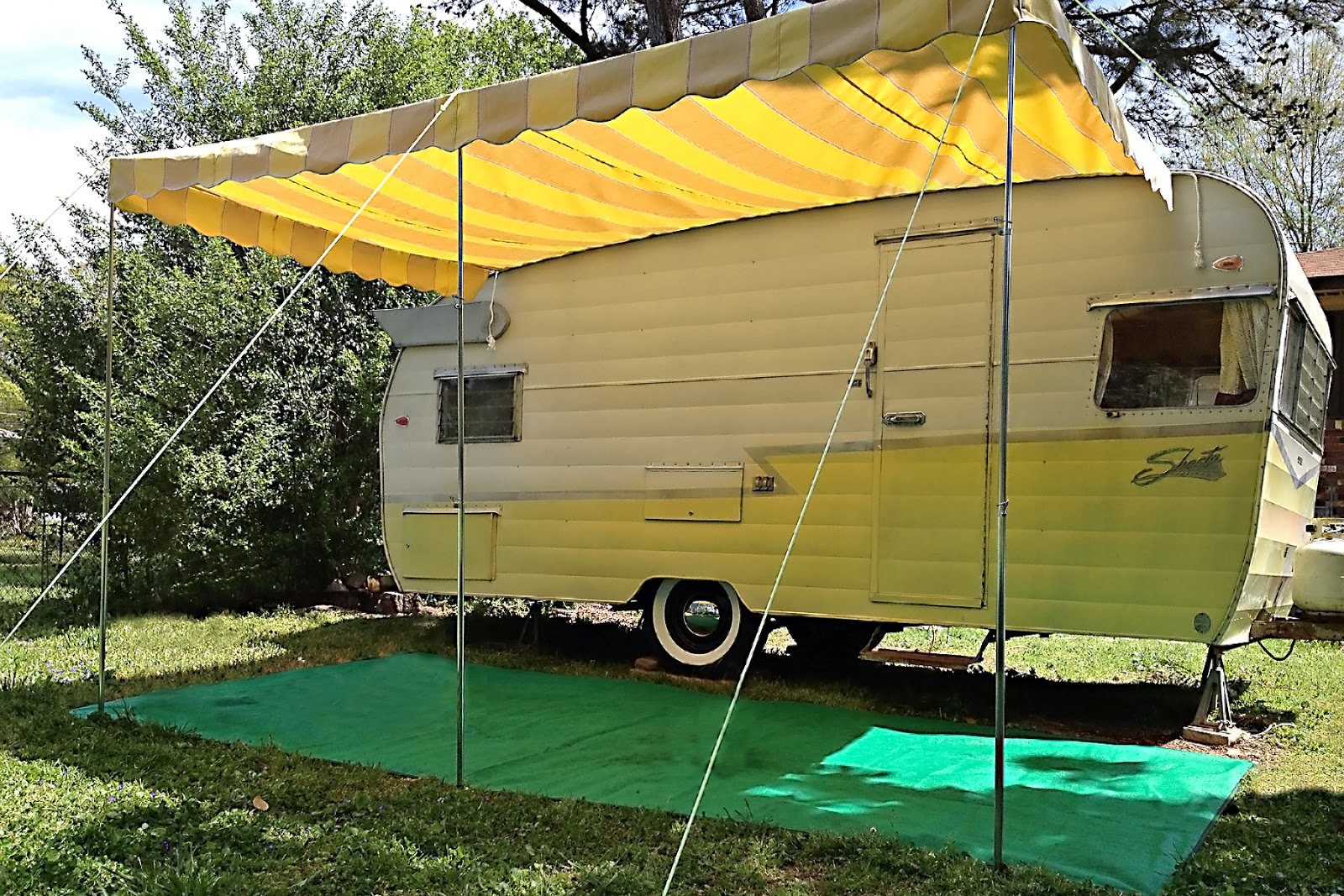 Vintage Awnings Set Up A Vintage Trailer Awning By Kristi