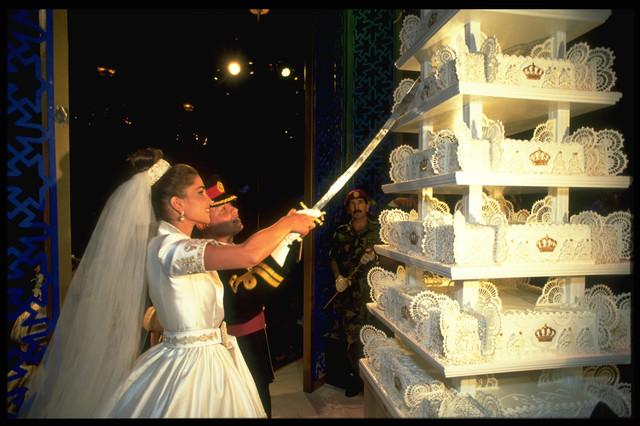 World Of Wallpapers Royal Wedding Cake