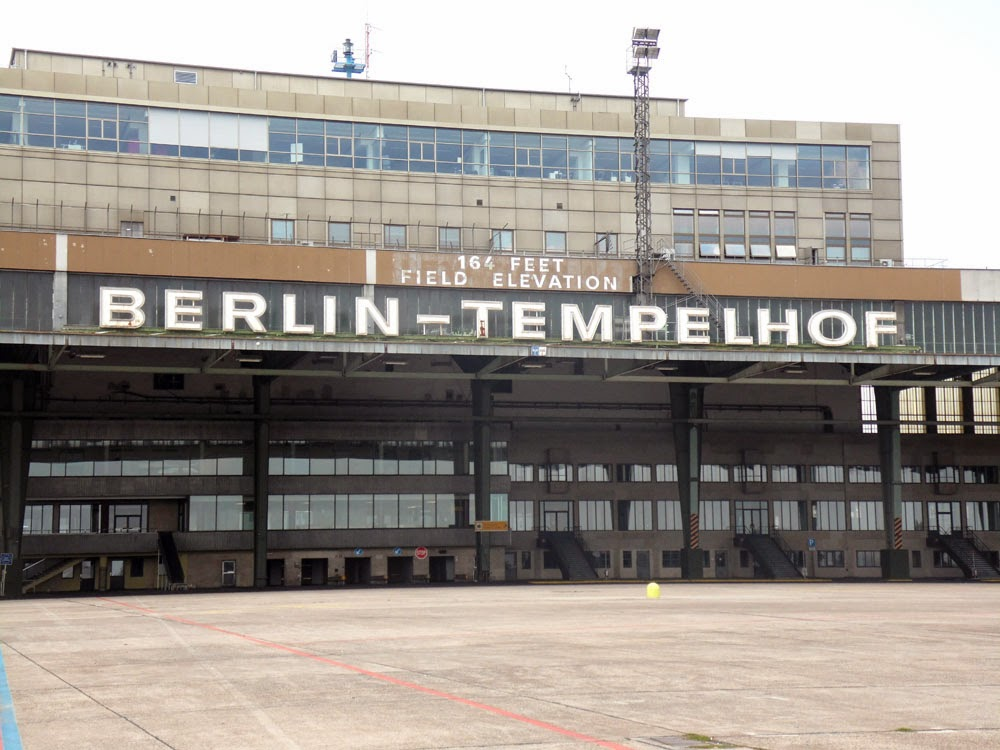das blog flughafen berlin tempelhof. Black Bedroom Furniture Sets. Home Design Ideas
