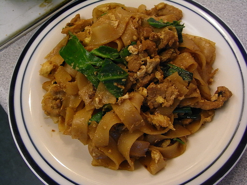 Easy Thai noodles recipe –Fried noodles with soy sauce