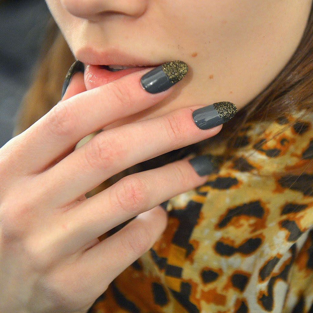 Prepossessing New York Fashion Week Nail Art Trends With Gray Polish And Gold Glitter Colors
