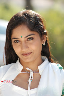 Madhavi Latha Pictures in Tholipata Movie  0001
