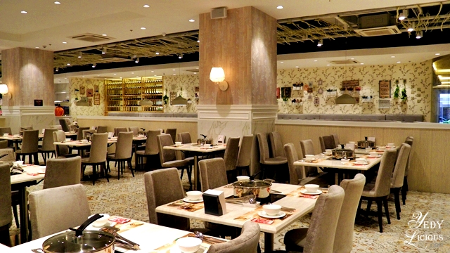 Easy on the eye hue of ambiance at Four Seasons Cubao