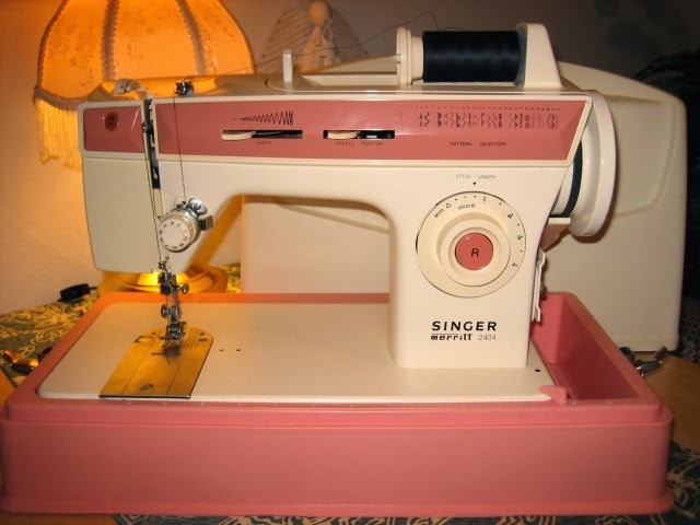 Do you need a manual for your Singer Merritt 2404? Click the photo.