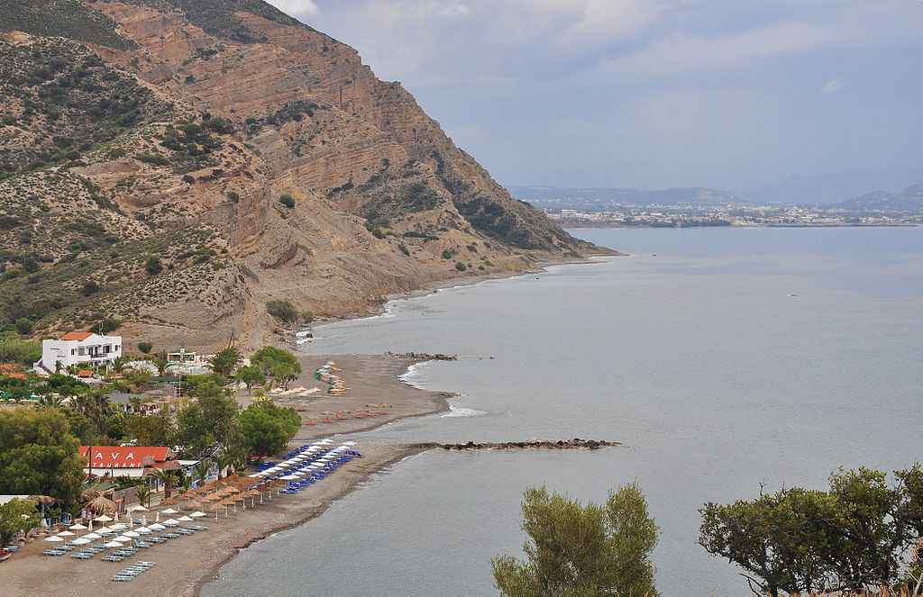 Agia Galini beach (Crete, Greece) - Photo by Moonik