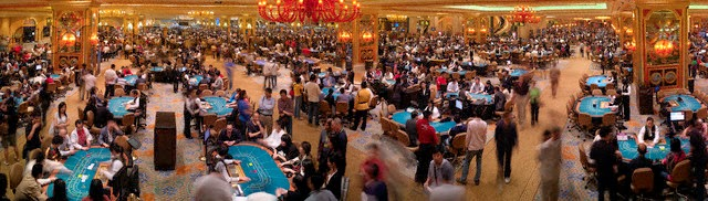 http://www.china-mike.com/wp-content/uploads/2011/03/macau-casino-gambling.jpg