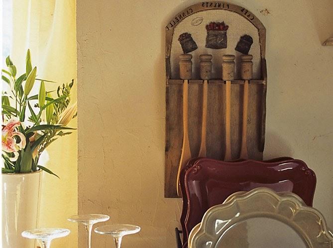 BOISERIE & C.: Vecchio fienile in pietra