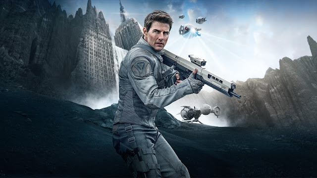 Tom Cruise in Oblivion HD Wallpaper