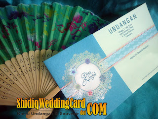 http://www.shidiqweddingcard.com/2016/01/paket-undangan-rayya-lily-313-dan.html