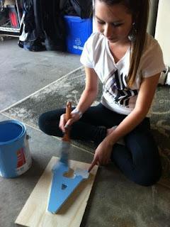 amanda pintando