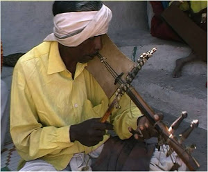 Traditional Pardhan Bana player in Patangarh village.