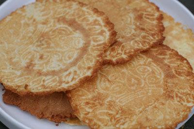 krum kake - sweet cookies