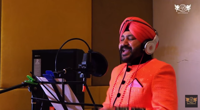 Punjabi singer Daler Mhendi is reportedly producing a big budget movie in Kannada and Telugu.  He is also likely to compose a few songs for the yet to be titled movie, which would be based on British dance-drama Billy Elliot, reports Bangalore Mirror.  The film would be co-produced by A Manjunath and directed by choreographer-turned-director Imran Sardaria.