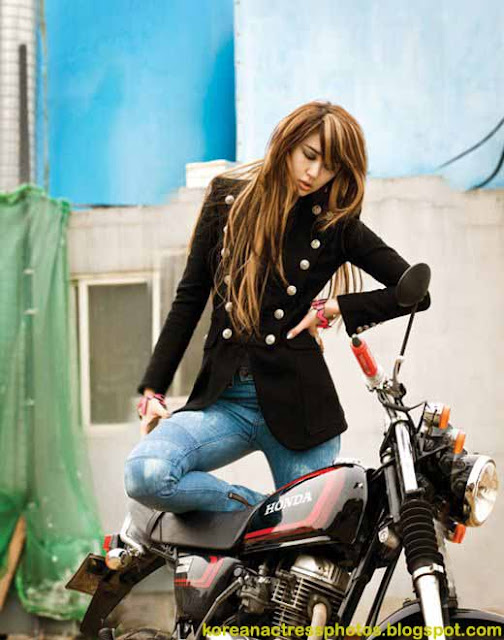 Yoon Eun Hye on Motorcycle