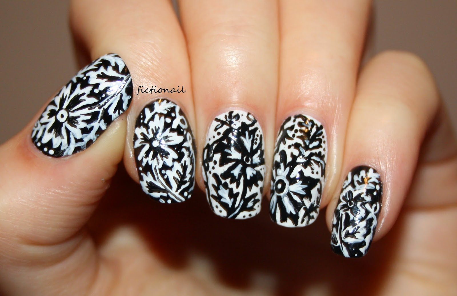 Black And White William Morris Inspired Nails