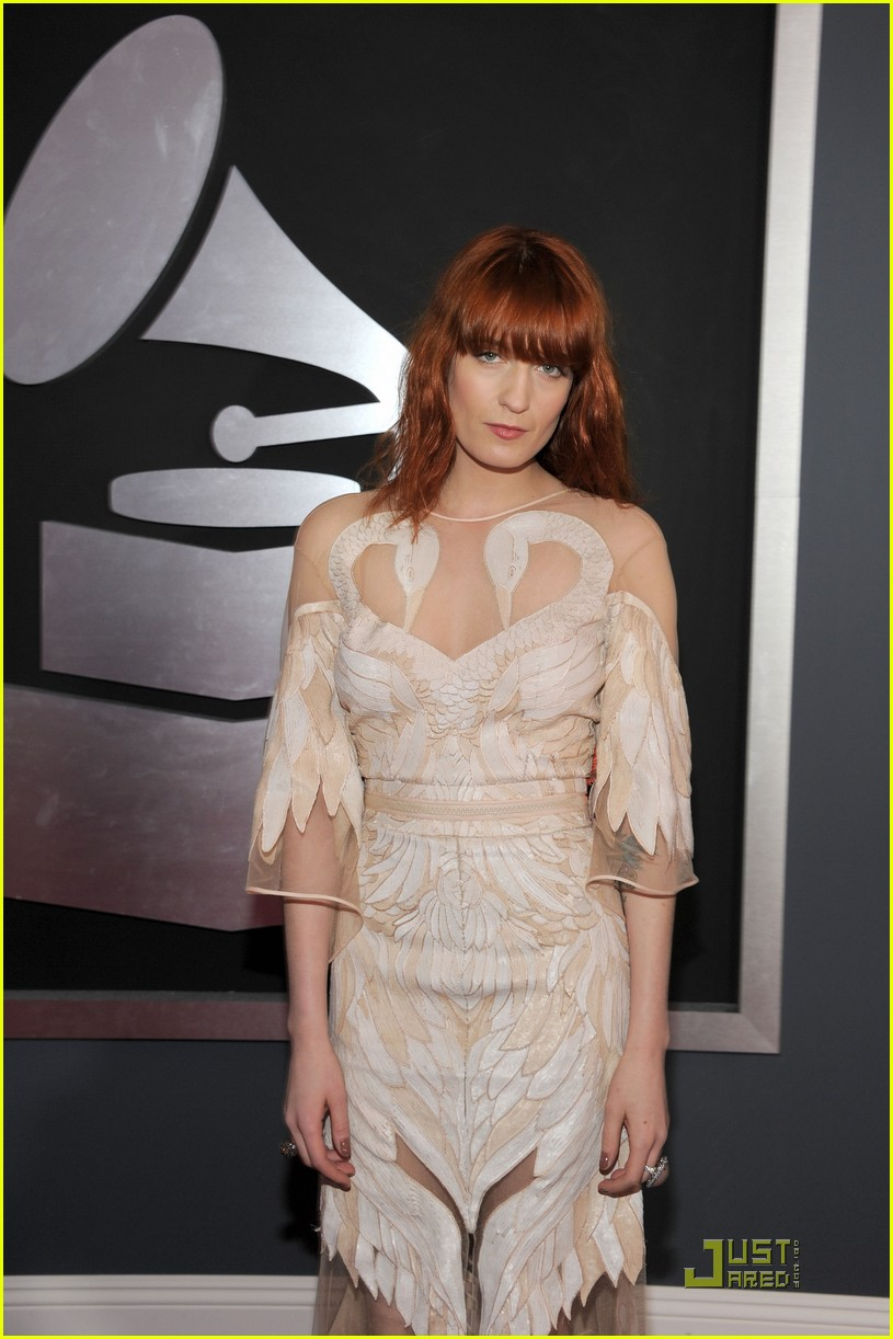 worship Shenae prior to carry my tattoo Florence+welch+tattoo+finger
