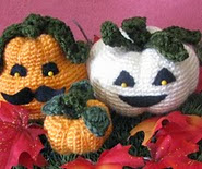 http://www.ravelry.com/patterns/library/crocheted-holiday-pumpkin-trio