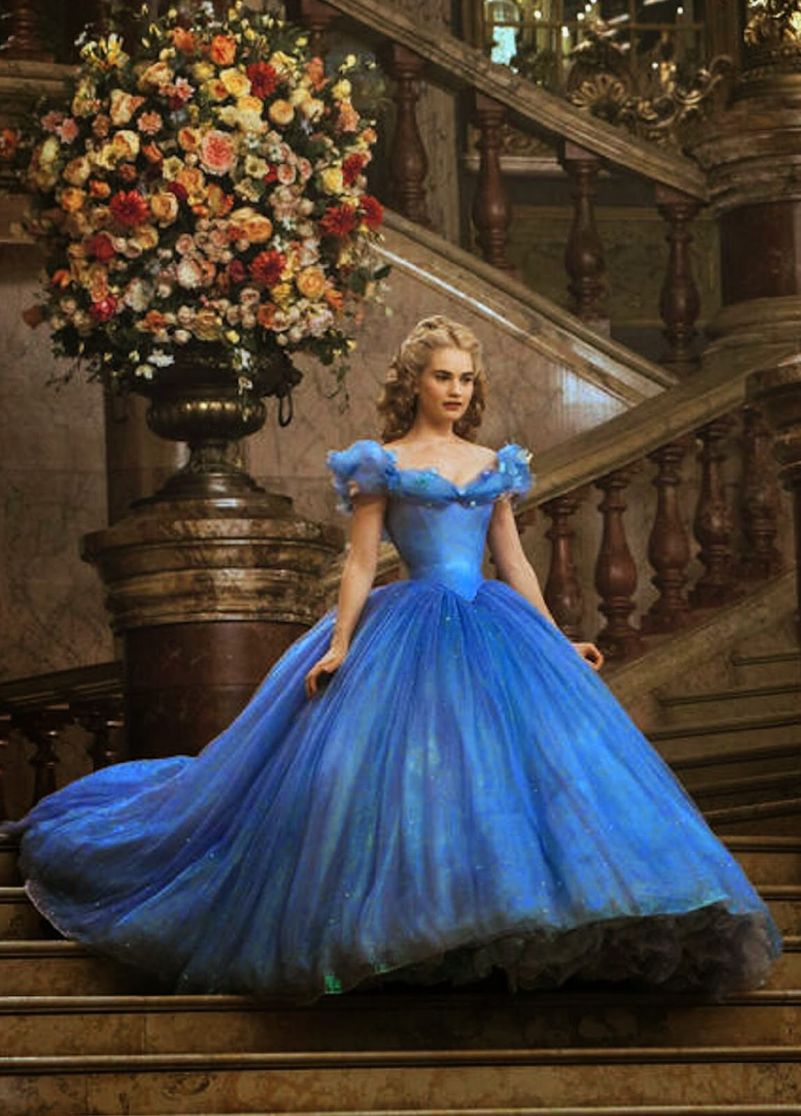 Cinderella 2015 Movie Putri Cantik Gaun Pesta Biru