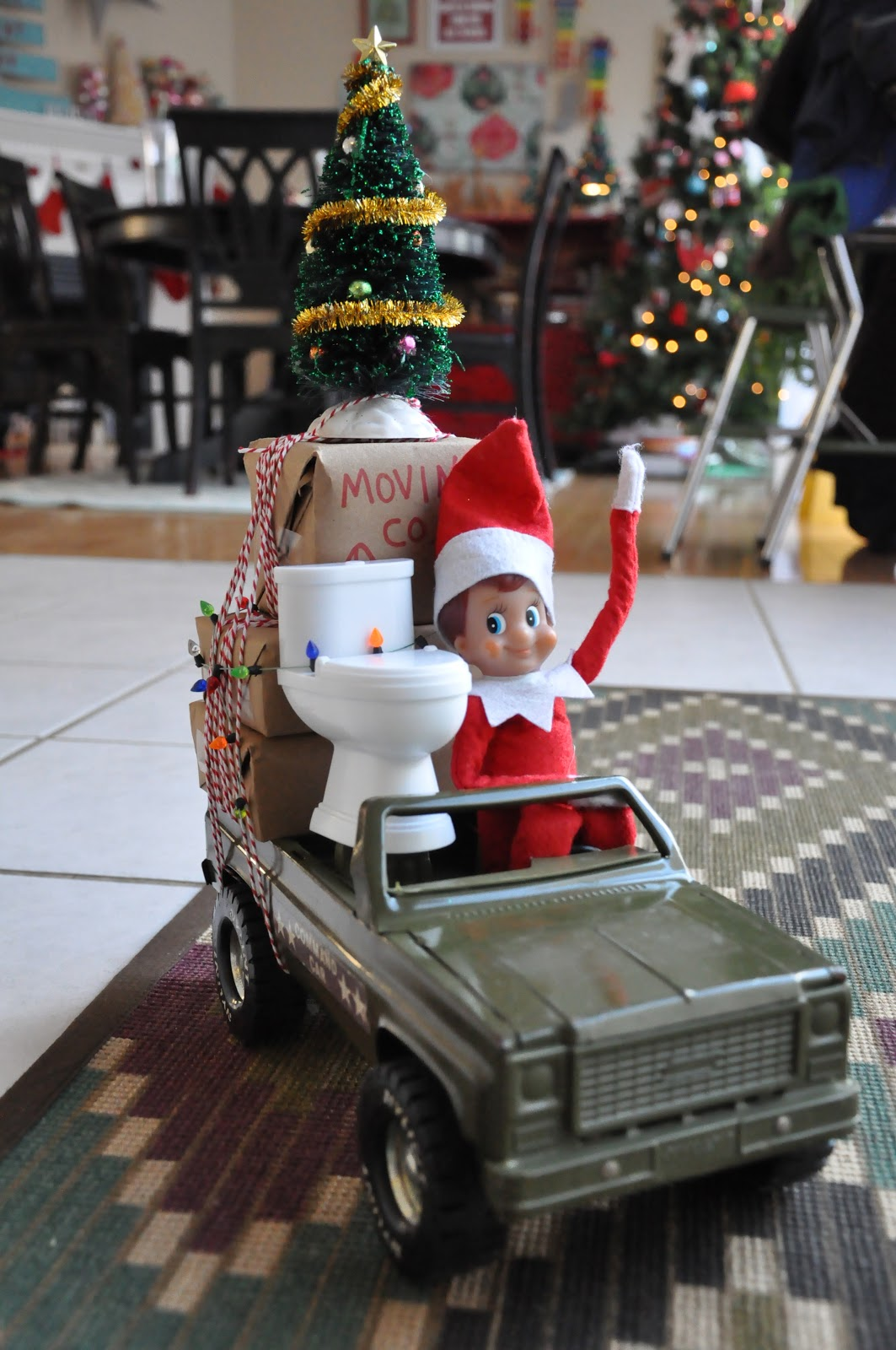 Check out these elf pictures to see Scout Elves in action—your Scout Elf is sure to be inspired, too! Before your Scout Elf gets to work recreating any of these ideas for The Elf on the Shelf ®, be sure to read these elf ideas safety warnings.