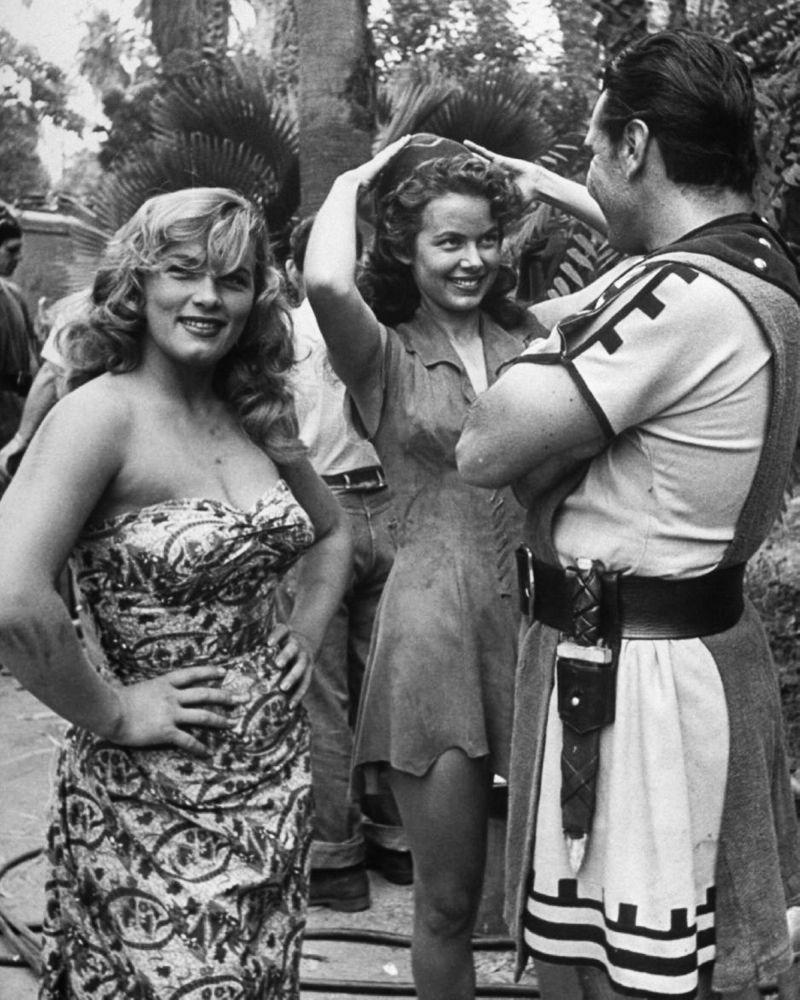 Gladys Guevarra (b. 1977) pics