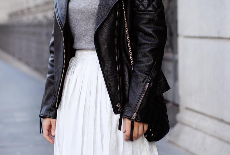 como combinar falda blanca en invierno