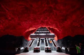 Рукотворные пещеры Стокгольма (26 фото)