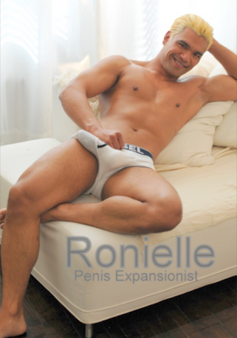 Ronielle on Chaise