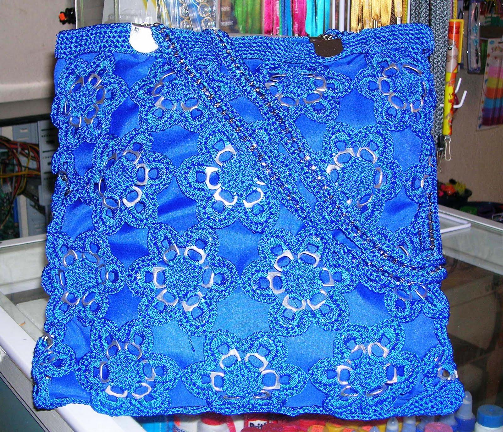 Mis labores en Crochet: Bolsa Azul * Flores hechas de fichas o ...