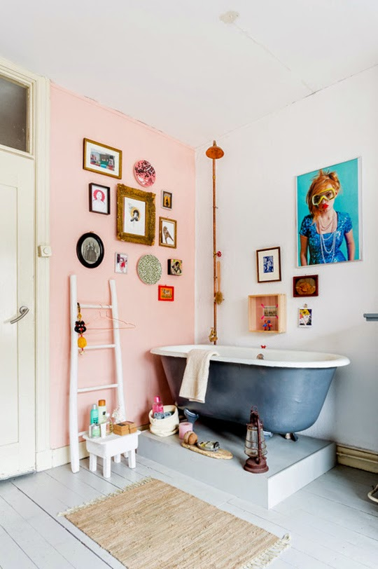 My scandinavian home cheerful dutch interior spaces to for Quirky bathroom ideas